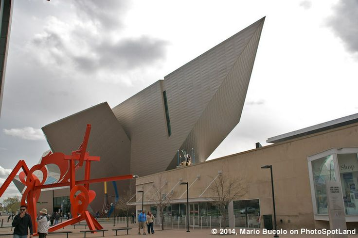 The new Hamilton Building, designed by Daniel Libeskind, of Denver Art Museum - Denver, Colorado, USA Photo by Mario Bucolo on Photospotland. See the spot here: www.photospotland.com/spots/21