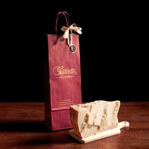 Burgundy gift bag + 1kg of 24 month aged Parmesan  #gazzettifood #food #christmas #parmesan #parmigiano #italianfood