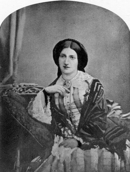 Isabella Mary Beeton (née Mayson) (12 March 1836 – 6 February 1865), universally known as Mrs Beeton, was the English author of Mrs Beeton's Book of Household Management, and is one of the most famous cookery writers Yes