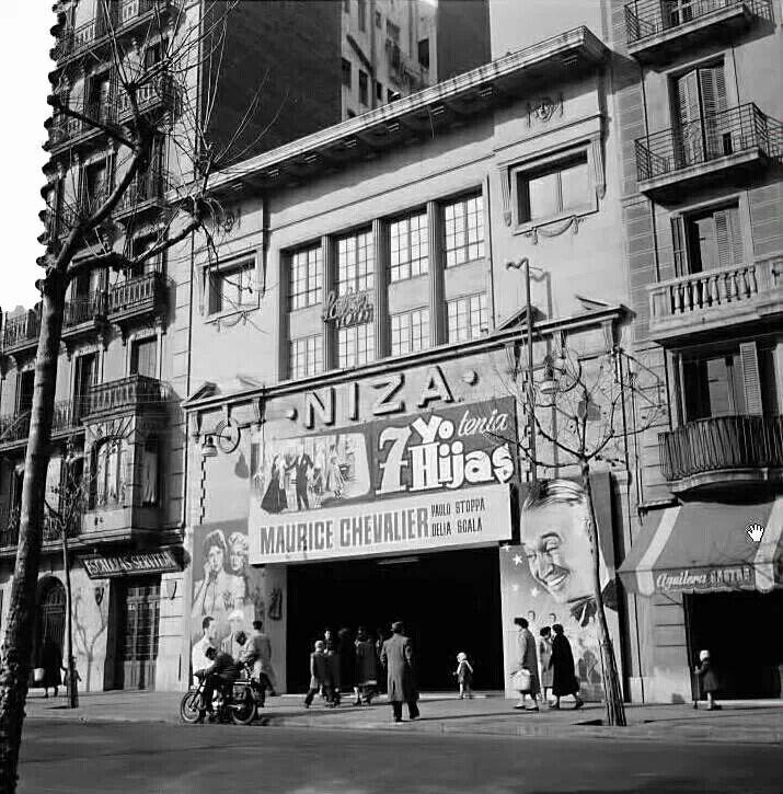 Cine Niza Pl. Sagrada Familia
