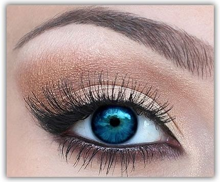 Makeup for blue eyes. Love the soft and natural feel of this look.