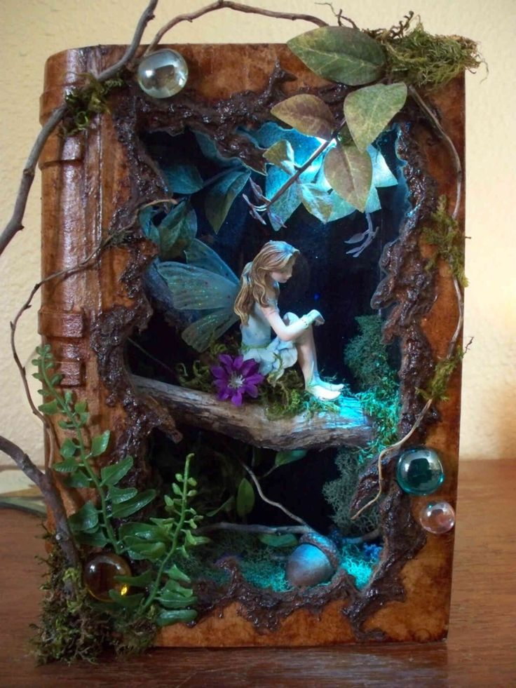 Fairy shadow box (I wonder if this is in an altered book, or made to look like one? that would make a cool frame!) I was looking for a shadow box to pin, wanted to remember to consider an indoor display in one - but found this - this is amazing! ********************************************* The Corsetted Fairy via tumblr - #fairy #shadow #box