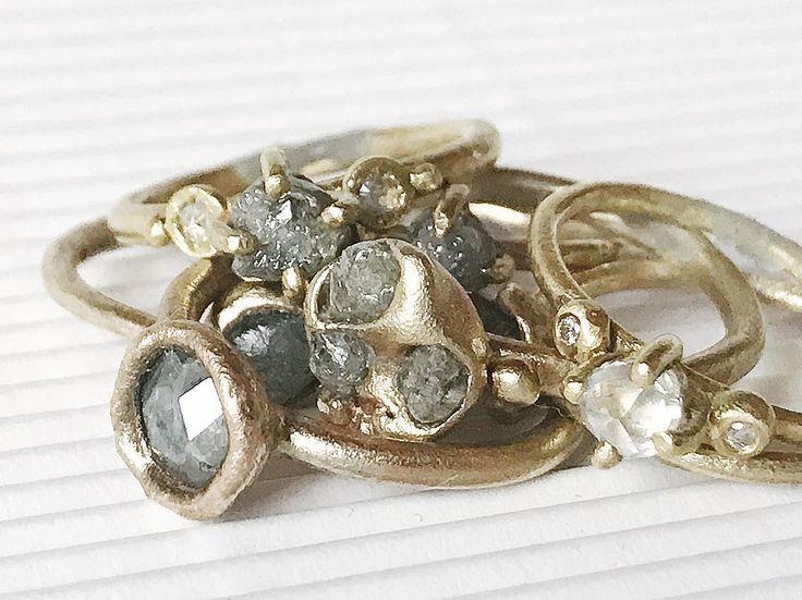 Clearly my life is a beautiful mess. . . Rough diamond rings in yellow gold. . . One Marylebone London 19-22 October stand 20 . . #mylifeisabeautifulmess #roughdiamondring #lightcatcher #fingerbling #lovegold #tamaragomezjewellery #naturalbeauty #roughluxe #roughdiamonds #greydiamonds #naturaldiamonds #goldsmith #spiritinspired #finejewelry #jewelrylover #jewelleryaddict #madelondon #makersmovement #craftanddesign #naturalluxury #thehandmademovement #cockpitarts