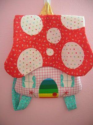 Mochila seta. Mushroom backpack.