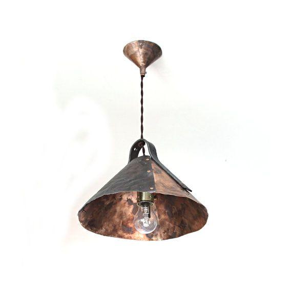 Made in Italy- lampadario industriale in rame invecchiato e metallo lavorato a mano con rivetti e dettagli vintage più lampadina edison.