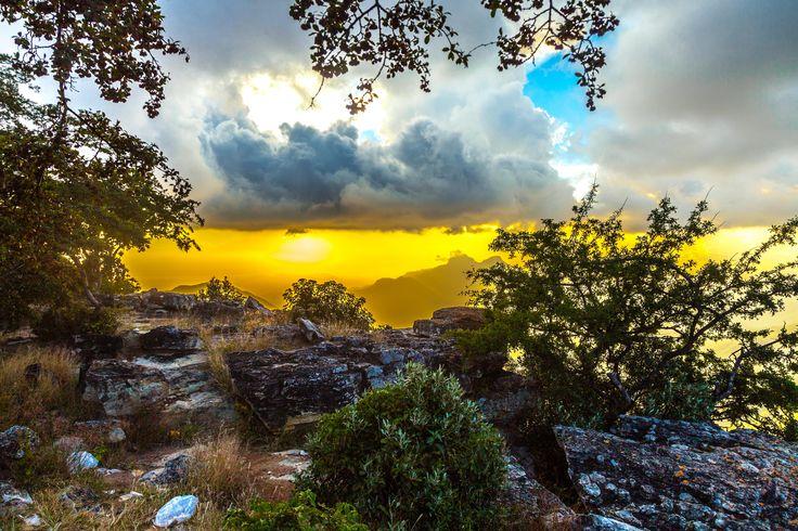 Tundavala heaven © Bella White - Available at Mega Image Bank