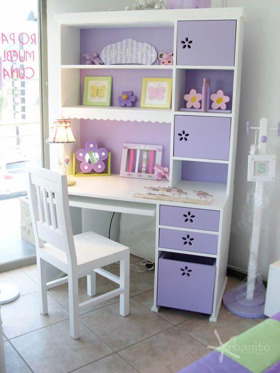 Escritorio con estante y caja con rueda, colores lila.