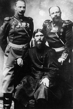 Curiosidade Científica -Rasputin, foi um místico religioso que foi recebido pela família do último czar Russo, após ele afirmar que poderia curar o filho do próprio czar que tinha hemofilia. Ele não era nenhum médico, mas as pessoas da época acreditavam que ele tinha poderes de cura.