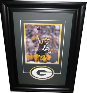 Aaron Rodgers Autographed 8x10 Photo - Framed
