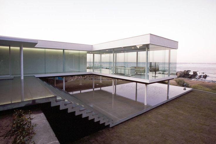 近藤博史建築設計事 の モダンな 家 ガラス建築