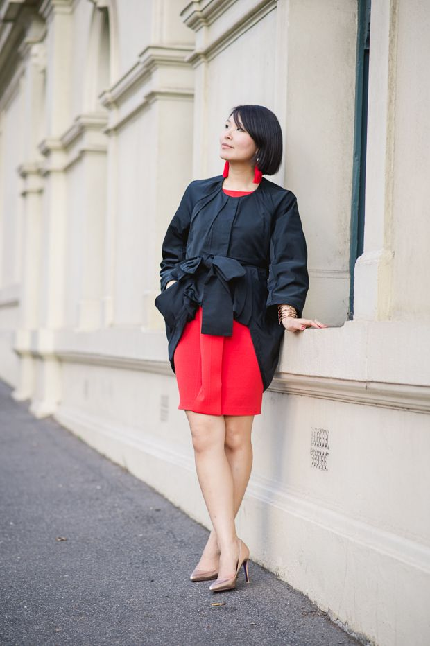 Looking as gorgeous as ever in the Elaine Dress, Cecylia.com adds a pop of colour to her look in her latest blog post Little Bow Peep.