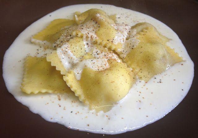 architettando in cucina: Ravioli con zucca gialla e scarola in salsa di Parmigiano