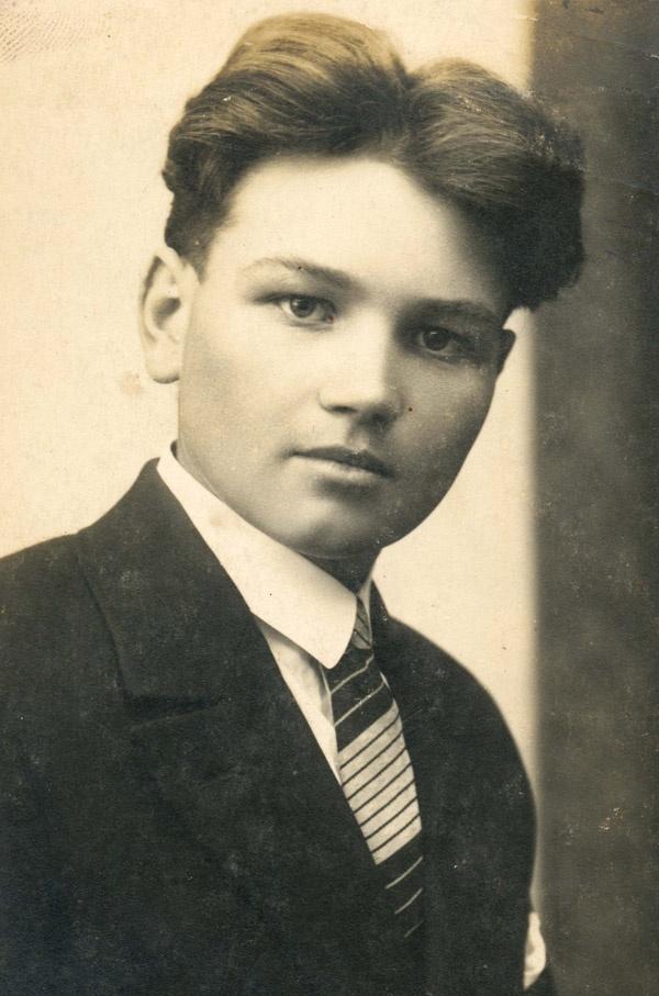 Eighteen-year-old Jan Kubiš - assassin of Heydrich.   What a WW2 hero !