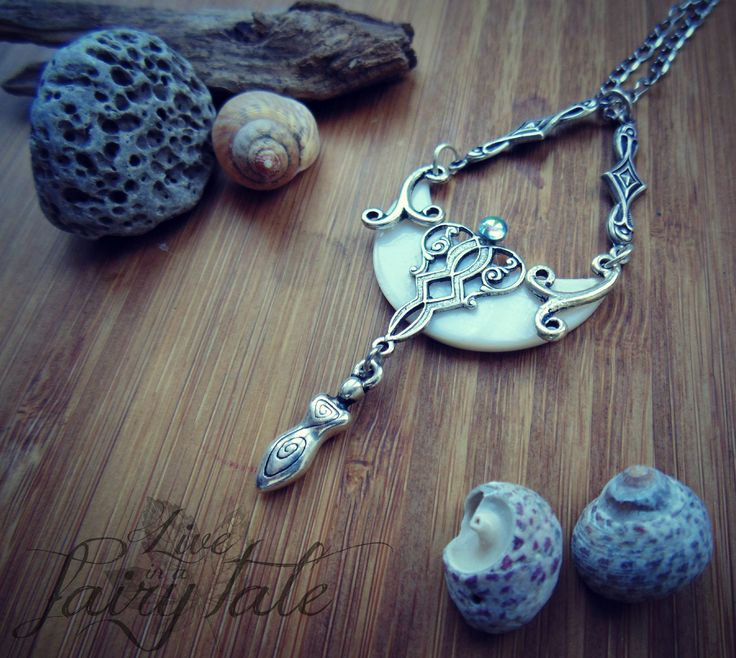 ☽☆☾ La Dea del mare ☽☆☾ Blessings of Goddess... Magick of Sea! #goddess #pagan #witch #magick #wicca #paganjewelry