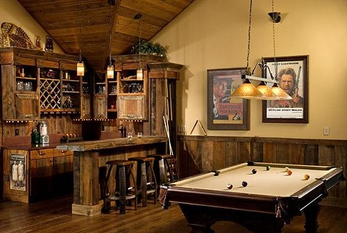 Basement bar - i can just imagine my mets memorabilia displayed around the bar
