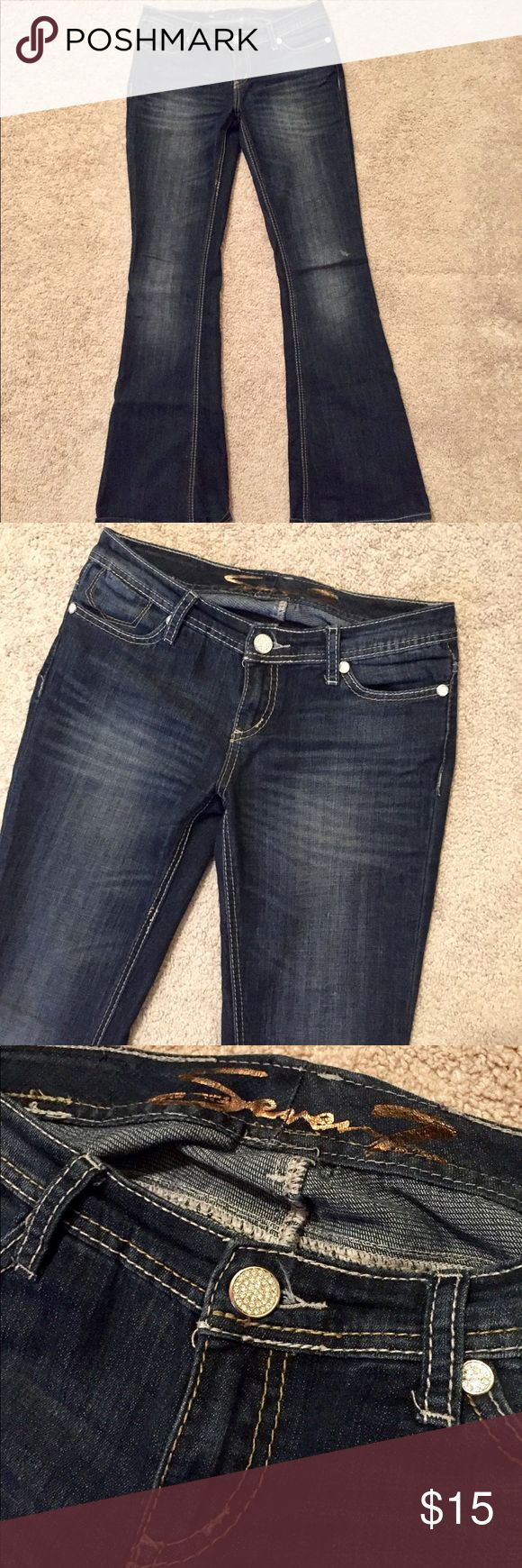 Women's Seven7 Jeans size 28 Pair of women's Seven7 Jeans size 28. These are in great used condition with very slight/minor signs of wash/wear especially around the foot openings (see photos). Comes from a clean and smoke free home. Please see photos and ask any questions you may have. Don't forget to bundle your likes for a discount!!! 😉 Seven7 Jeans
