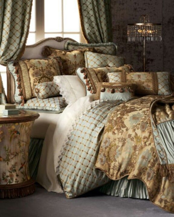 Master Bedroom  bedding   curtains   Victorian styled luxury bedding and  curtain ensemble. 1448 best LUXURIOUS LUXURY BEDDING images on Pinterest   Bedroom