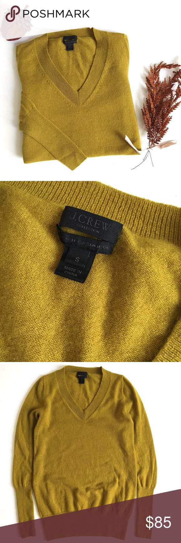 J. Crew Italian Cashmere V-Neck Sweater ▫️J. Crew Cashmere Sweater  ▫️Italian cashmere in a 12-gauge knit ▫️Color is slightly off due to lighting ▫️Excellent Preowned Condition  No Trades J. Crew Sweaters V-Necks