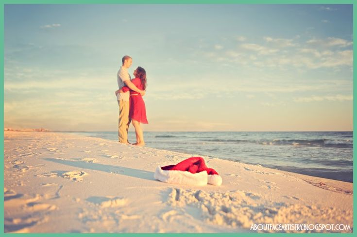 Family Christmas photos on the beach. Click for more pictures and ideas!