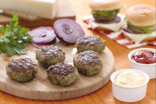 Ricetta Miniburgers aromatici con formaggio - Le Ricette di GialloZafferano.it