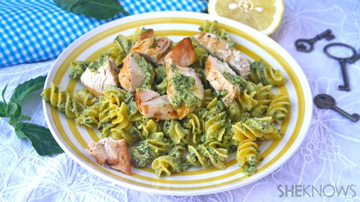 Whatcha making on a Gluten-free Friday? Try about Spicy Lemon-pesto Pasta with Chicken #pesto #glutenfree