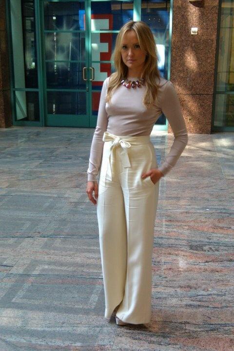 Kaylee DeFer: Gossip Girl ( E news )