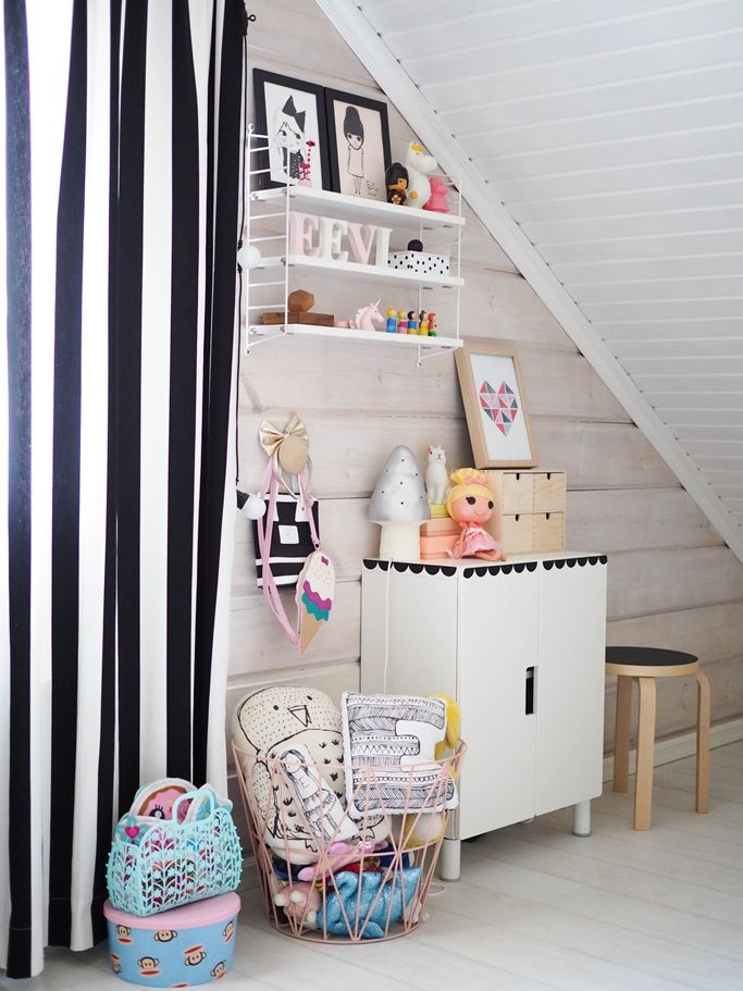 Kids room ideas cabinets wire baskets and design for Hampers for kids rooms