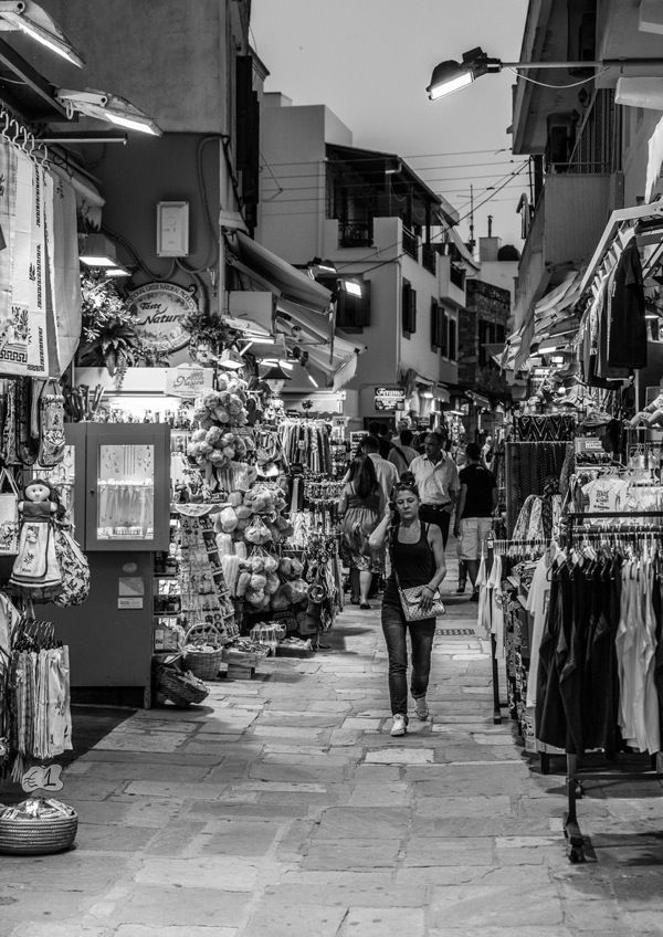 Шоппинг на острове Кос в Греции: магазины, ТЦ, рынки. Где купить обувь и одежду, ювелирные изделия и вина   инфо о Такс Фри / Остров Кос – чистый, уютный, дружелюбный. Зелёные рощи на фоне классических развалин, неширокие, но ухоженные дороги, большое количество велосипедистов. Мелькают квадроциклы, которые можно, как и любой другой вид транспорта, взять[...]