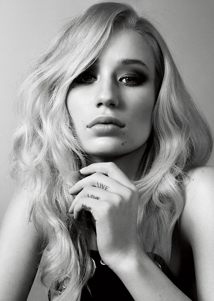 Vogue Goes Shopping with Iggy Azalea for Her New Shape - Vogue
