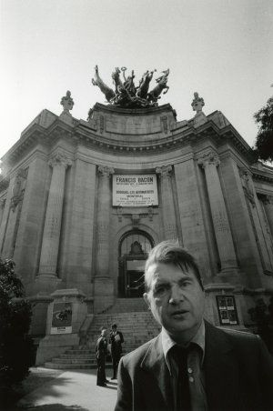 Francis Bacon outside the Grand Palais show 1971. We now know what he knew but no one else knew about George Dyer as he stared down the lens on the eve of his grand opening. Deeply revealing image.