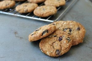 Chewy Classic Oatmeal Raisin Cookies