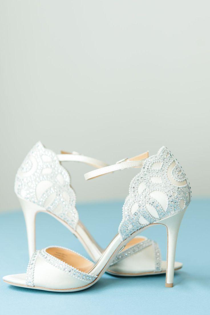 Bridal Detail Of Bride Shoes Columbus Ohio Luxury Wedding