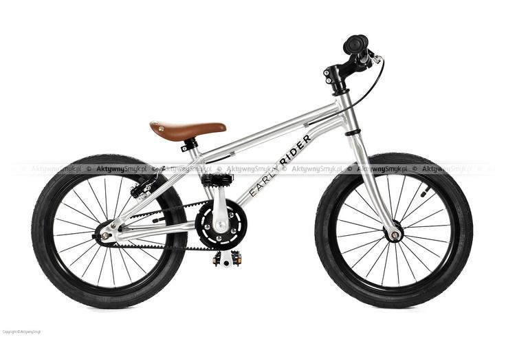 Ultralekki, ważący 6,1 kg! rower Early Rider Belter na 16-calowych kołach posiada aluminiową, klasyczną ramę, regulację siodełka już od 46! do 56 cm, hamulec tylnego koła v-brake, wąskie opony 16x1,5 o płytkim bieżniku, maszynowe łożyska w piastach, stery a-head, śliczne brązowe siodełko à la siodło Brooks'a, i innowacyjny pasek zębaty zamiast łańcucha (zalety to: niska waga, nie skrzypi, nie ma potrzeby smarowania, jest cichy). http://goo.gl/oommB