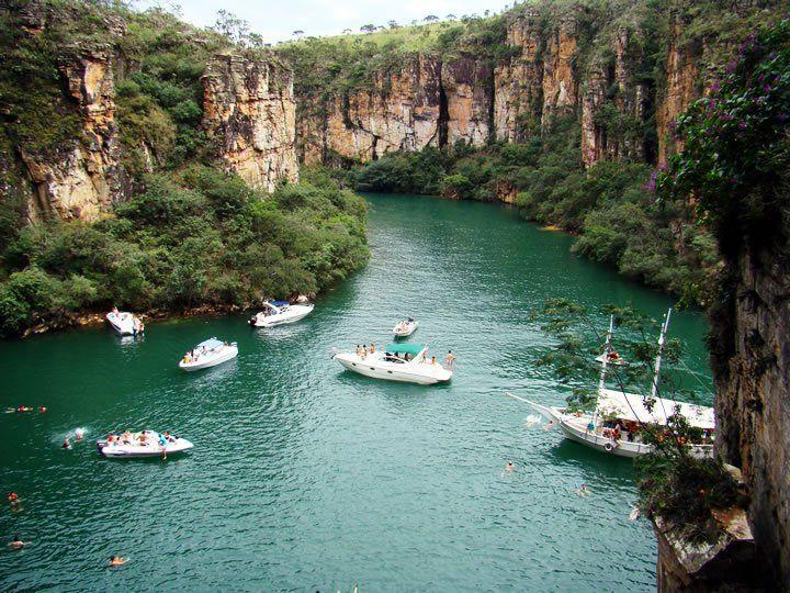 Que viajante não gosta de comer bem e conhecer paisagens incríveis? O Sul do estado de Minas Gerais é a região perfeita para esse encontro, com cidadezinha