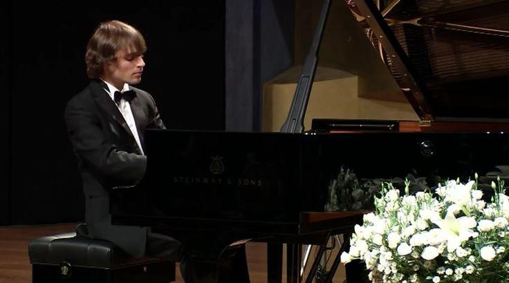 Ilya Rashkovskiy plays Robert Schumann: Symphonic Etudes, Frédéric Chopin: 3 Mazurkas, & Igor Stravinsky: Trois Mouvements de Petrouchka – XIII Arthur Rubinstein International Piano Master Competition, 2011 / Stage I
