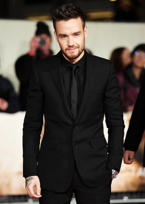"""lovingliam: """"Liam Payne attends the World Premiere of 'I Am Bolt' at Odeon Leicester Square on November 28, 2016 in London, England [HQ's] """""""