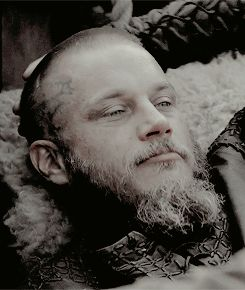 VIKINGS - RAGNAR!! Imagine he would look like this, just because he saw you!! <3