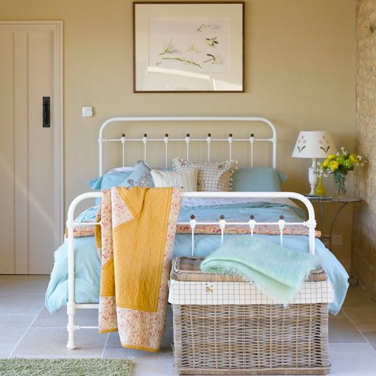 101 best images about spare bedroom ideas on pinterest for Spare bedroom paint color ideas