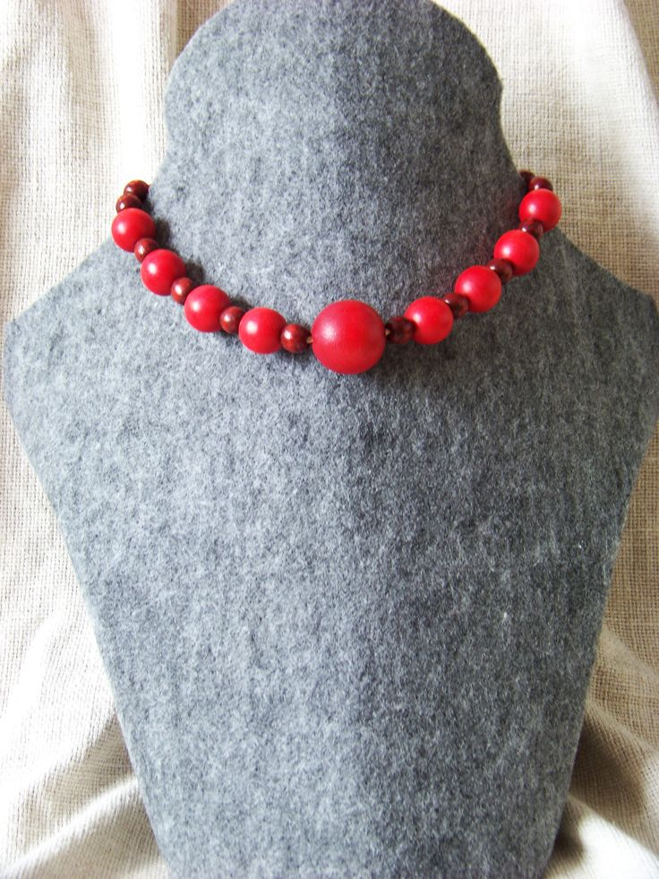 Korali necklace. Red, wooden beads. Inspired by polish folklore.