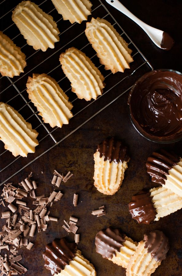 Chocolate Dipped Italian Butter Cookies - The Kitchen McCabe