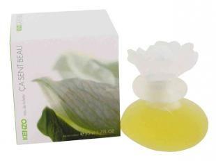 Ça Sent Beau - Isso é belo - o primeiro perfume de Kenzo foi inspirado no jardim oriental de Kenzo Takada, onde as flores nascem sobre a pedra. Floral frutado adocicado com notas de pêssego, tangerina, ylang- ylang e baunilha. Para mulheres que apreciam o clássico.