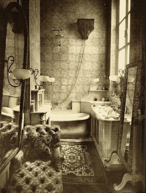 Badezimmer der jungen Prinzessin Radziwill von Paul Nadar 1884 (VINTAGE BLOG)