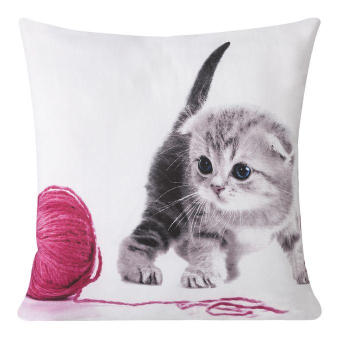 Biała poszewka dekoracyjna z kotkiem