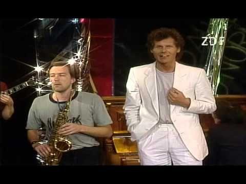 Georg Danzer - Ihr seid alle so normal 1985 - YouTube