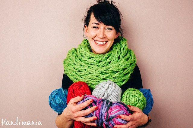 Μάθε τα πάντα για το πλέξιμο με τα χέρια - Arm Knitting explained
