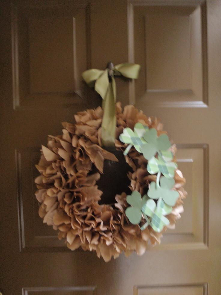 St. Patricks day Wreath: Pinterest Party, Holidays St, St. Patrick'S Day, Brown Wreath, Styrofoam Wreath, St Patricks, Becky S Crafts Wreaths