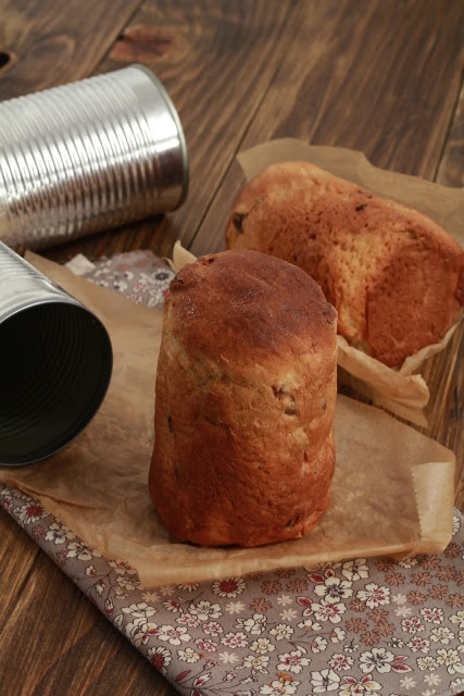 Pannetone individuel à offrir, cuit dans une boite de conserve