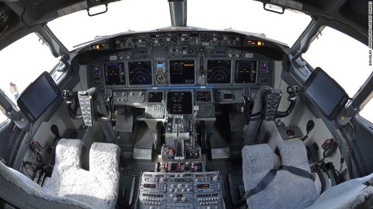 Detienen a un piloto ebrio en la cabina de un avión