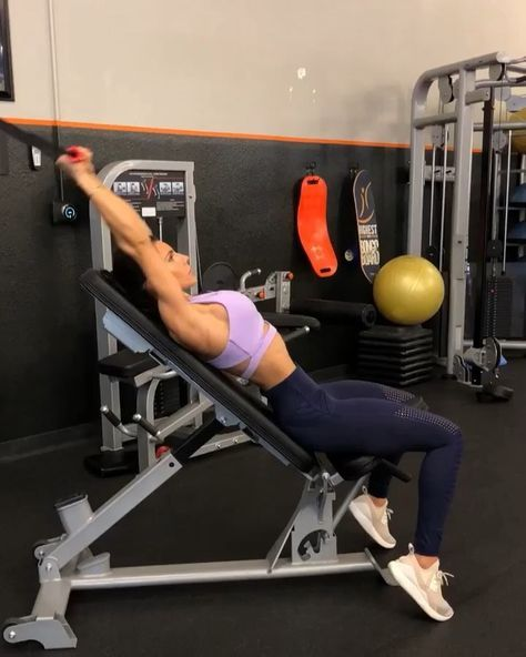 "6,070 Likes, 69 Comments - Alexia Clark (@alexia_clark) on Instagram: ""Upper Body Cable Workout 1. 15 reps 2. 12 reps 3. 15 reps 4. 15 reps 3-5 rounds #alexiaclark…"""