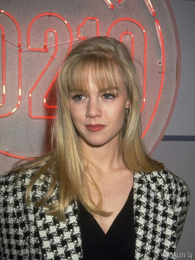 Retro bangs brought to you by Jennie Garth.